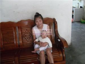 女婴吴琰雅和她的妈妈