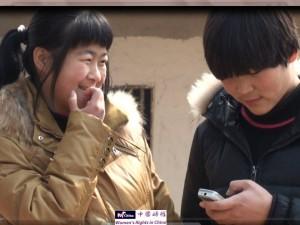 释柳应(左)和姐妹釋唯一。1
