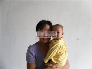 刘欣彤和她的妈妈张华