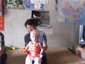 女婴王晨妍及其奶奶