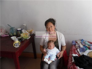 女婴蒋思彤和她的妈妈