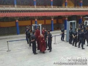 青海塔尔寺的喇嘛(李原风于 2013年7月发布)