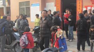 1孩子们开始上学了。(中国妇权记者摄)小