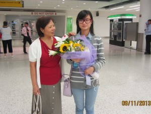 Jing  pick up Ruli from JFK   9-11-2013