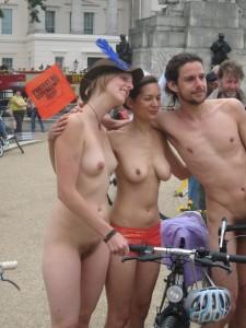 倫敦秀「裸騎自行車」令人眼福大飽3