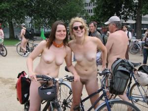 倫敦秀「裸騎自行車」令人眼福大飽5