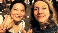 张淼和Angela Köckritz在香港采访 © Privat