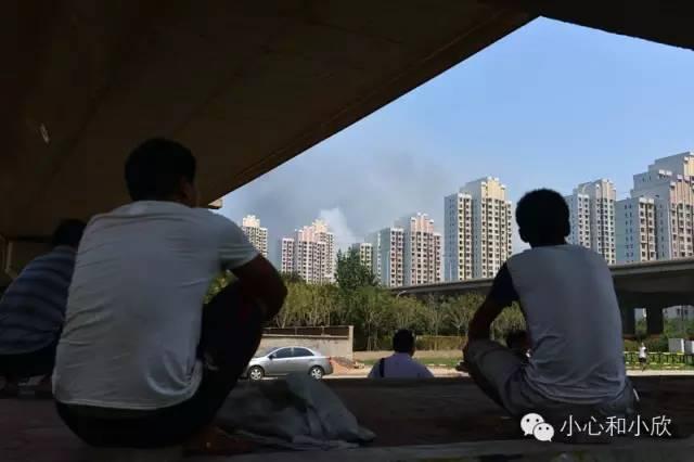 爆炸区附近的居民
