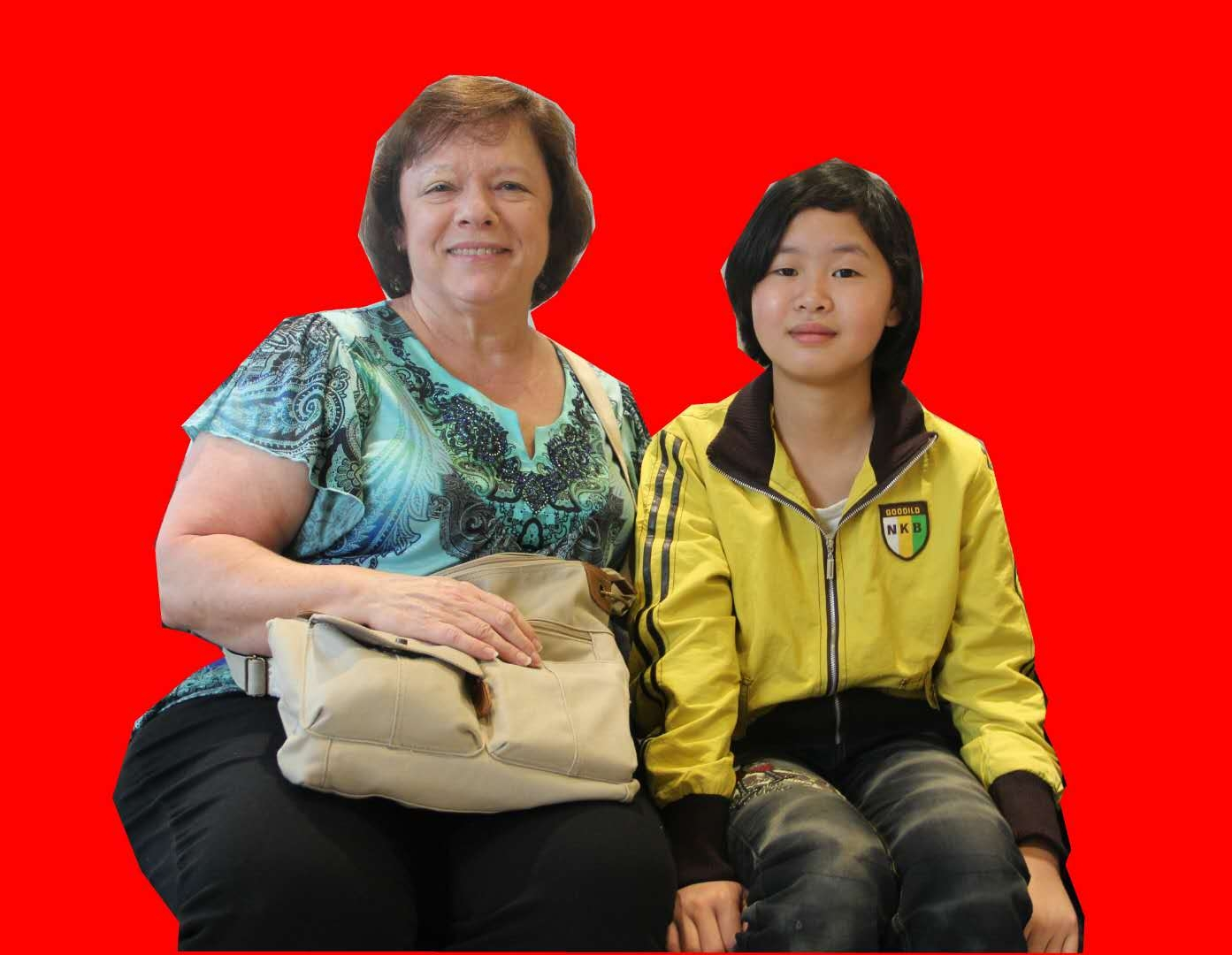 申海月和美国领养家庭发来的近照
